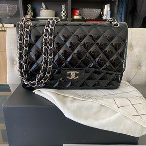 Chanel Jumbo Classic Handbag